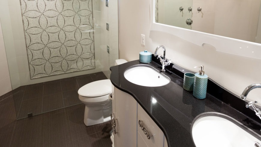 11 Remodeling Ideas to Improve Your Small Bathroom